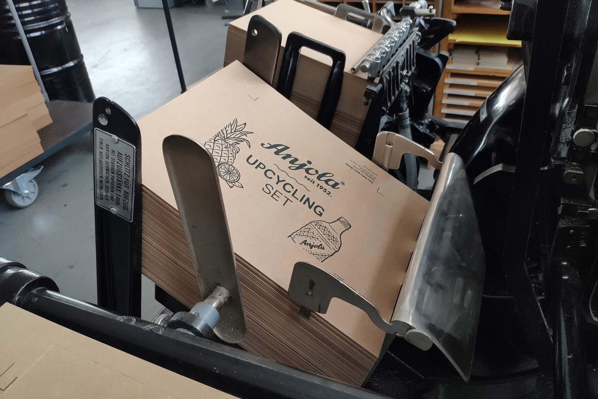 Anjola Upcycling Packaging